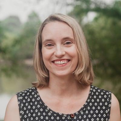 Kelly Holmes, founder of Sticky Blogging